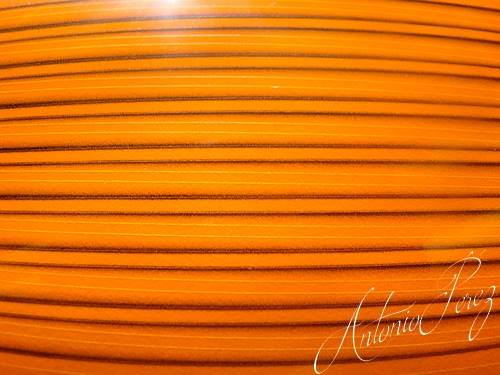 Synthetic Tapered Quill Orange Fluo Autocollant